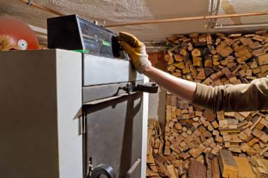 Help ! Je cherche une entreprise de déchiquetage pour broyer mon bois de chauffage